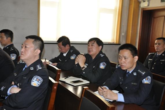 张俊海书记到全省公安机关党务干部培训班听课